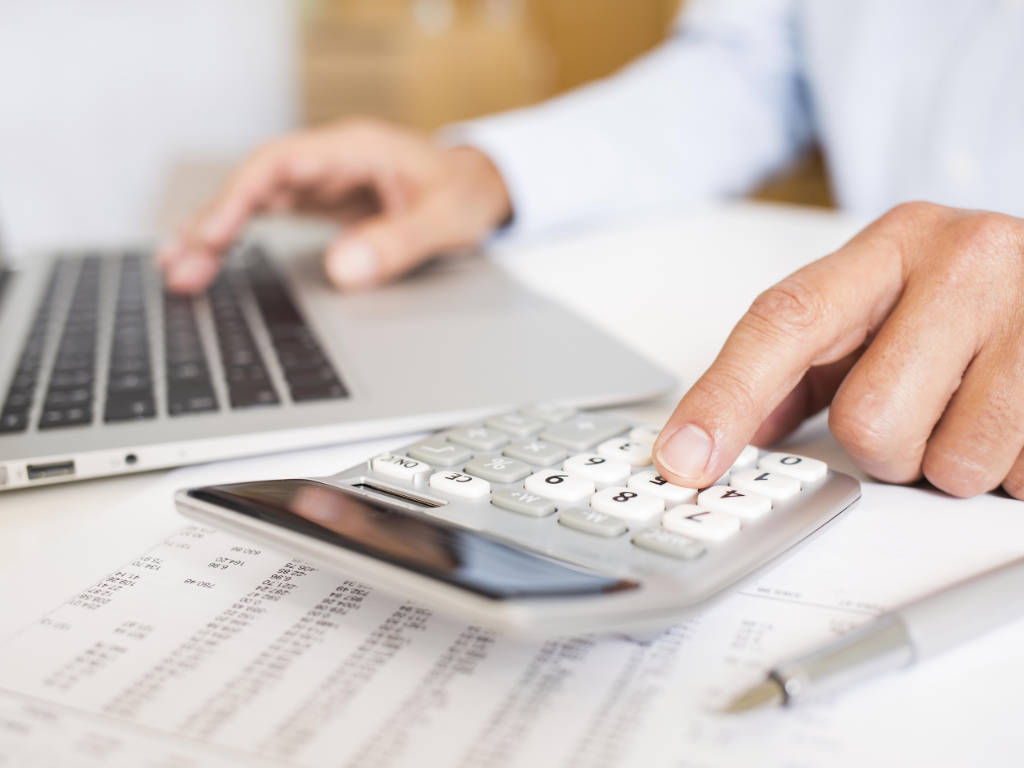 Basicamente, existem duas variáveis principais que determinam a lucratividade de qualquer negócio: a receita que entra e as despesas que saem. Embora a maioria dos empreendedores se concentre em aumentar…